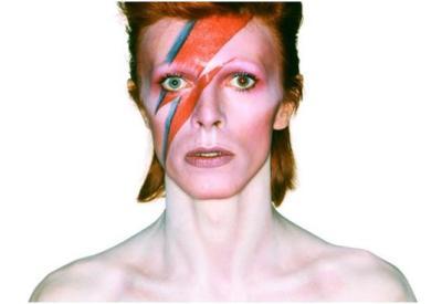 Bowie en el papel de Aladdin Sane, 1973