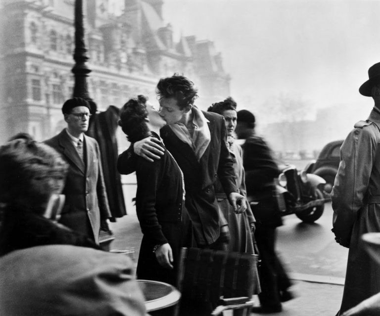 Le baiser de l'hôtel de ville, 1950. © Robert Doisneau.